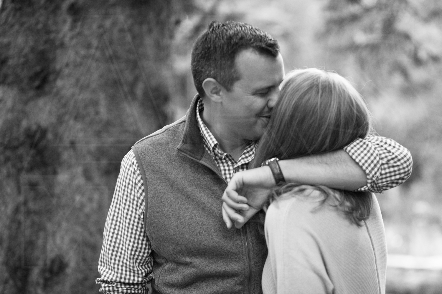 coming in for a kiss engagement photography maine