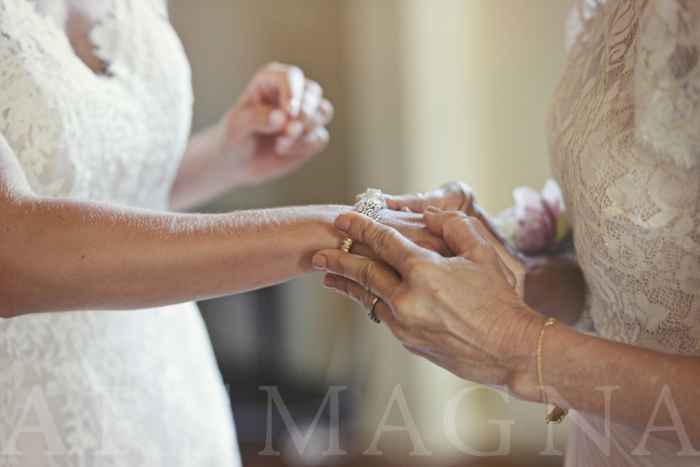 Bride receives a bracelet from her future mother-in-law.