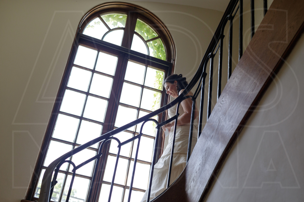 misselwood staircase bride
