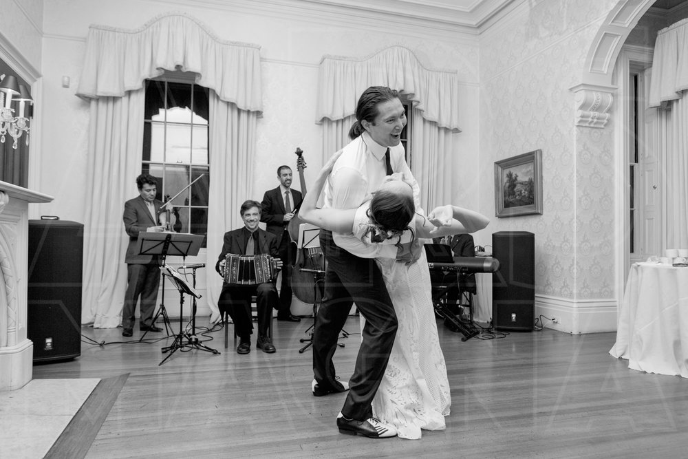 commanders mansion tango first dance live band wedding photography