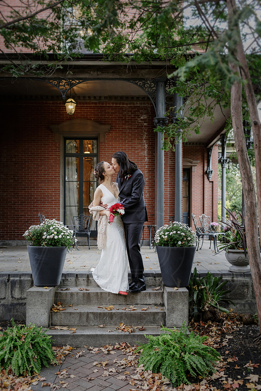 commanders mansion wedding bridal portraits