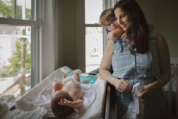 at home family photography documentary newborn