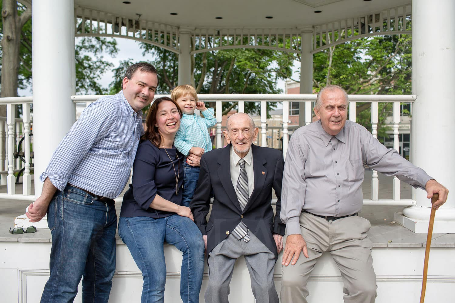 four generation norwood family photography retrato con bisabuelo