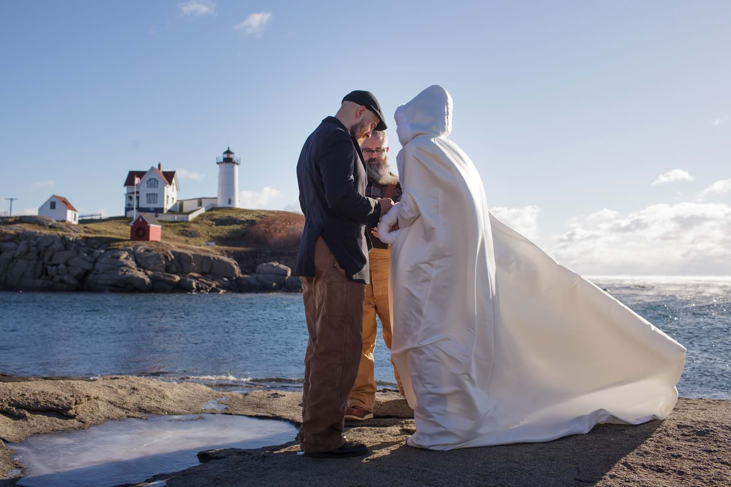 nubble point york maine-beach-elopement-photographer -indie-bride-001