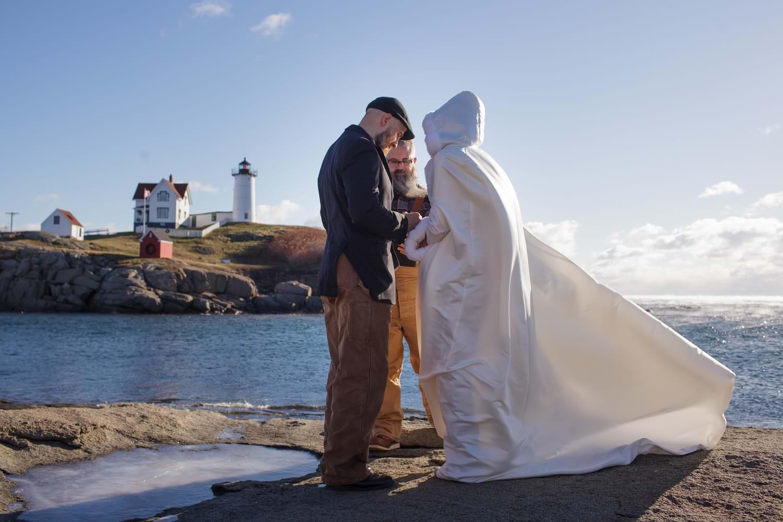 nubble point york maine-beach-elopement-photographer -indie-bride-001