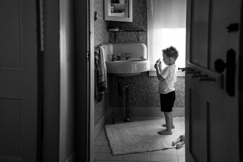 i can do it myself family photojournalism ny berkshire hudson valley family photography